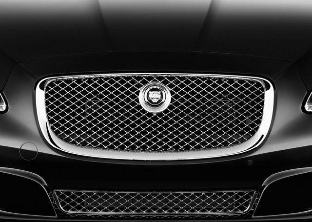 Jaguar XJ 2019, Oman