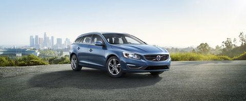Volvo V60 2019 3.0 T6, Kuwait, https://ymimg1.b8cdn.com/resized/car_model/4686/pictures/4022400/mobile_listing_main_2014_Volvo_V60_Front.jpg