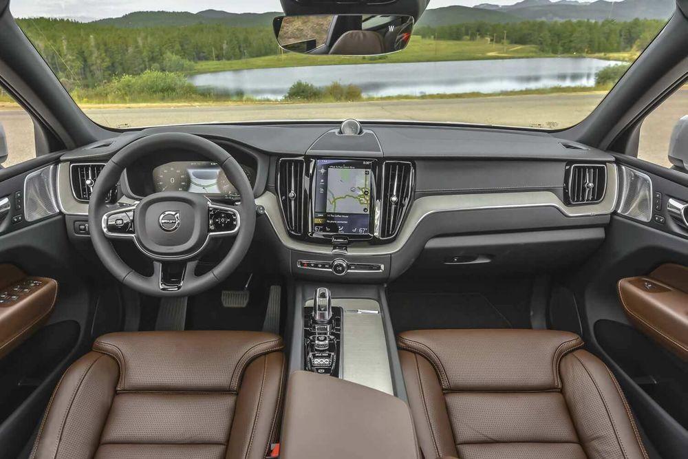 Volvo V40 2019, Oman