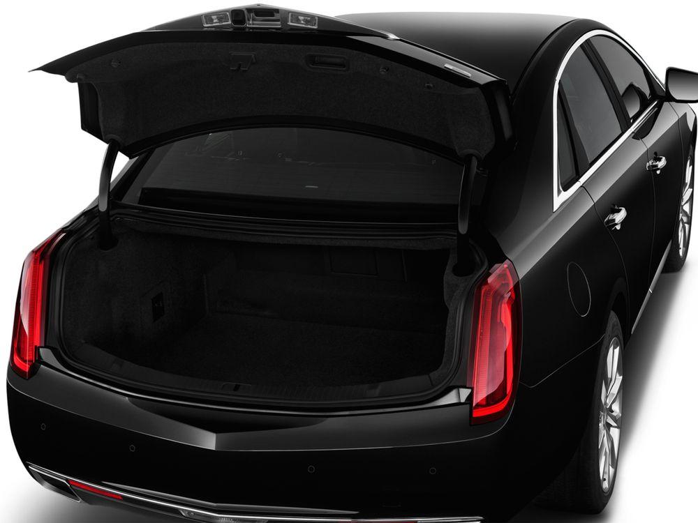 Cadillac XTS 2019, Oman