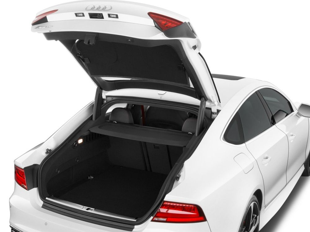 Audi RS7 2019, Oman