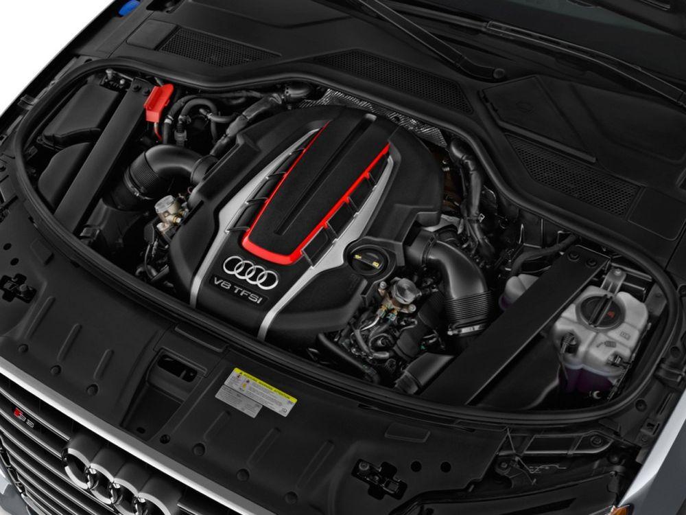Audi S8 2019, Oman
