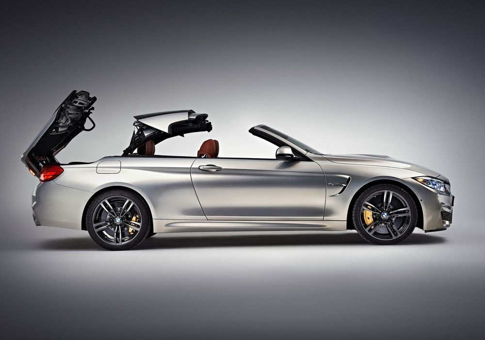 BMW M4 Convertible 2019, Bahrain