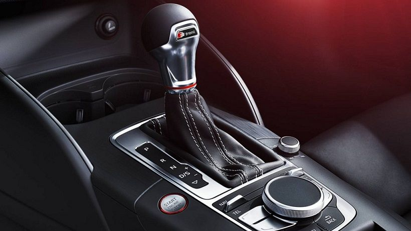 Audi S3 Sedan 2019, Oman