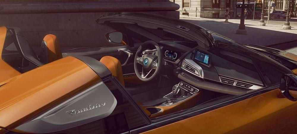 BMW i8 Roadster 2019, Saudi Arabia