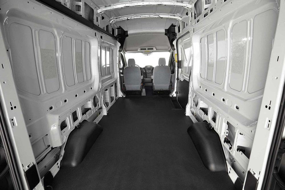 Ford Transit 2020, United Arab Emirates