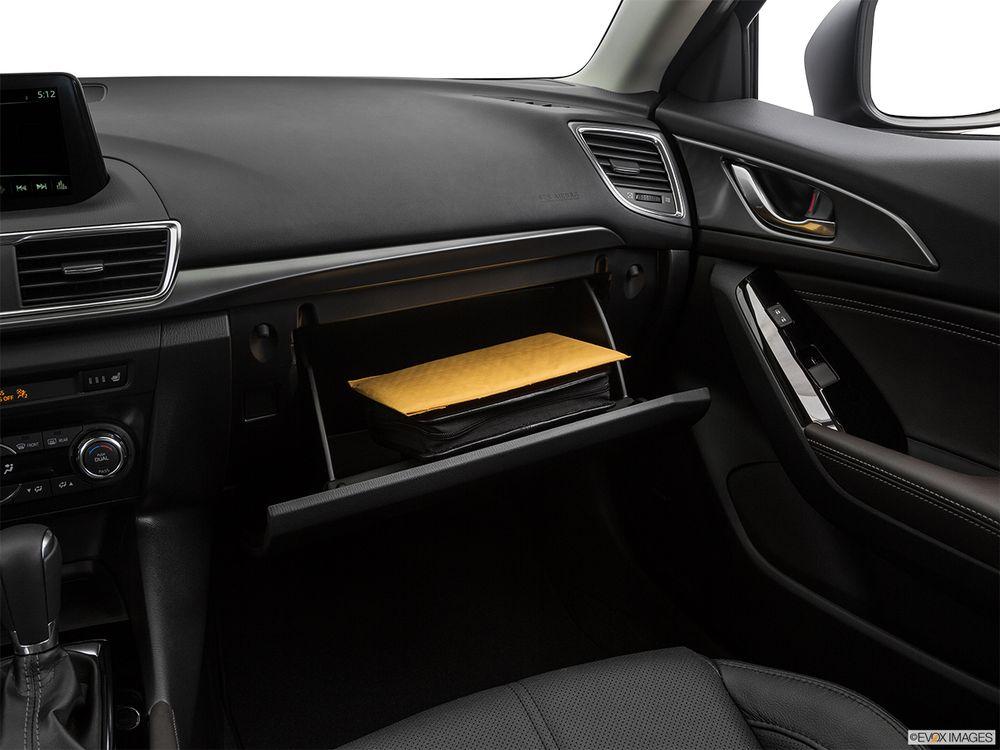 Mazda 3 Sedan 2020, United Arab Emirates
