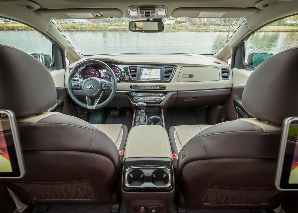 Kia Grand Carnival 2020, United Arab Emirates
