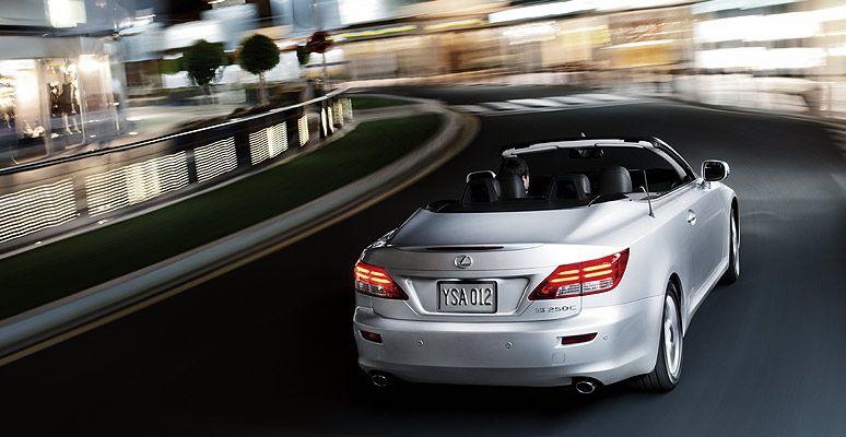 Lexus IS C 2020, Kuwait