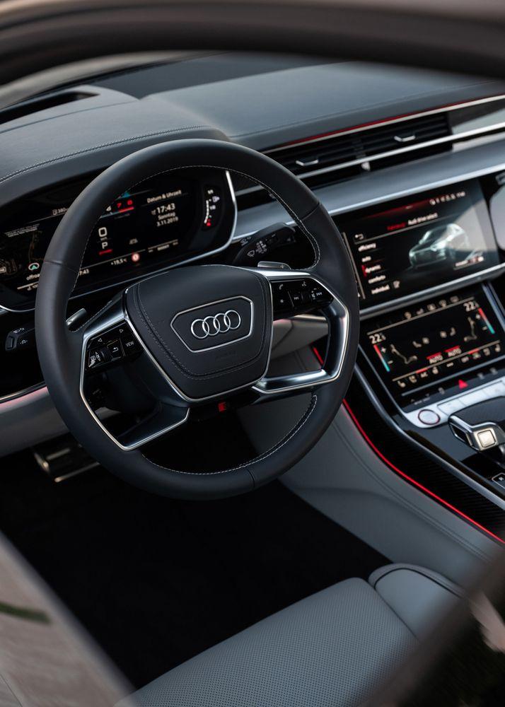 Audi S8 2020, United Arab Emirates