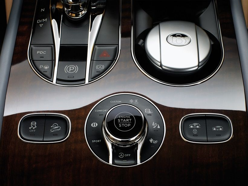 Bentley Bentayga 2020, Saudi Arabia