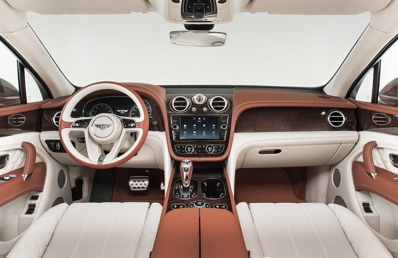 Bentley Bentayga 2020, Egypt