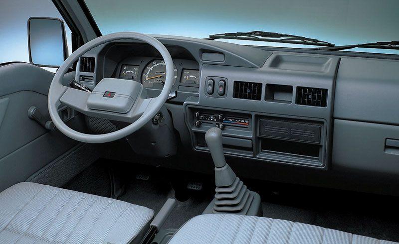 Mitsubishi L300 2020, Oman