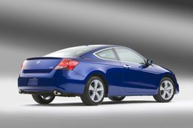 Honda Accord Coupe 2012 3.5L V6 + Navigation, Kuwait