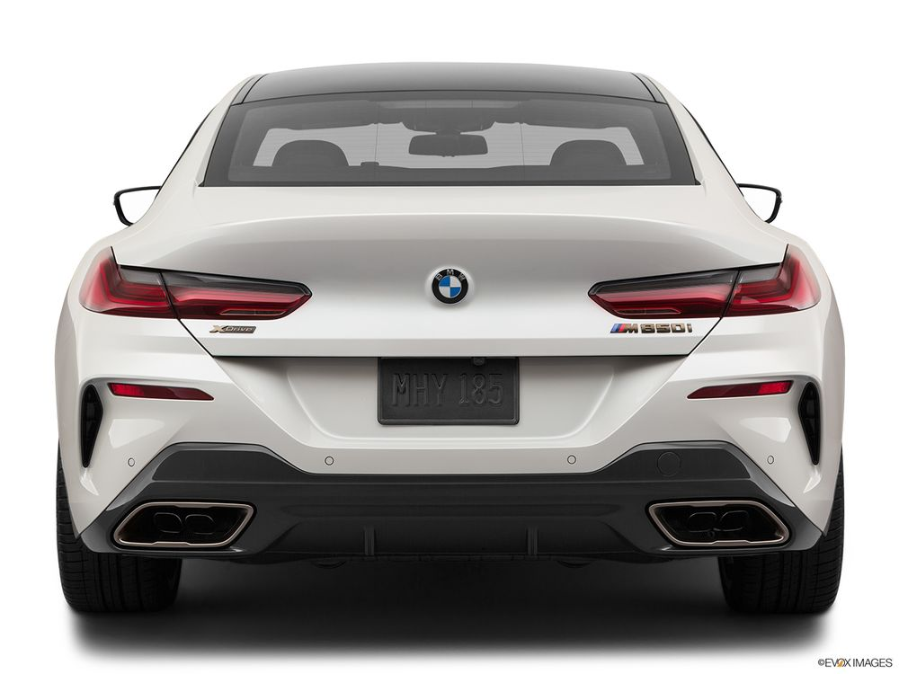 بي إم دبليو 8 Series Gran Coupe 2020, الإمارات