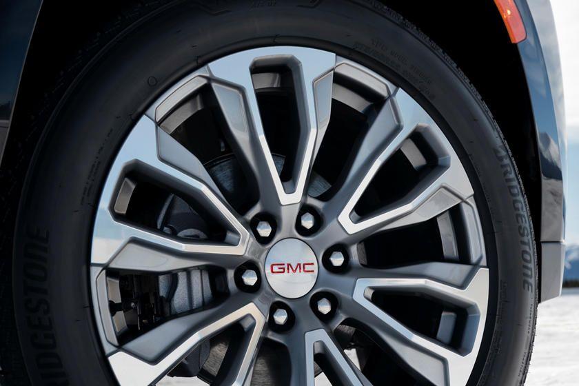 GMC Yukon XL Denali 2021, Qatar