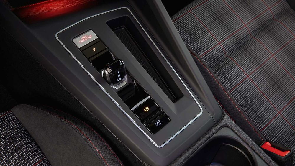 Volkswagen Golf GTI 2021, Kuwait