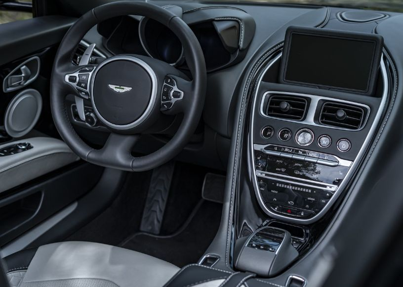 Aston Martin DBS Superleggera Volante 2021, Qatar