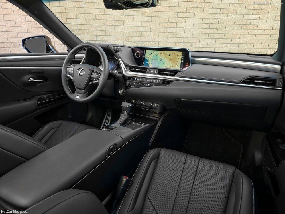 Lexus ES 2021, Egypt
