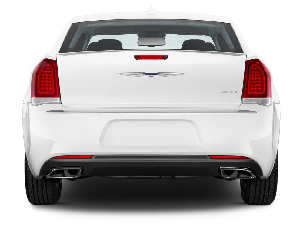 Chrysler 300C 2021, Kuwait