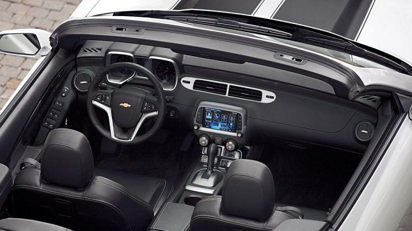 Chevrolet Camaro Convertible 2013, Qatar