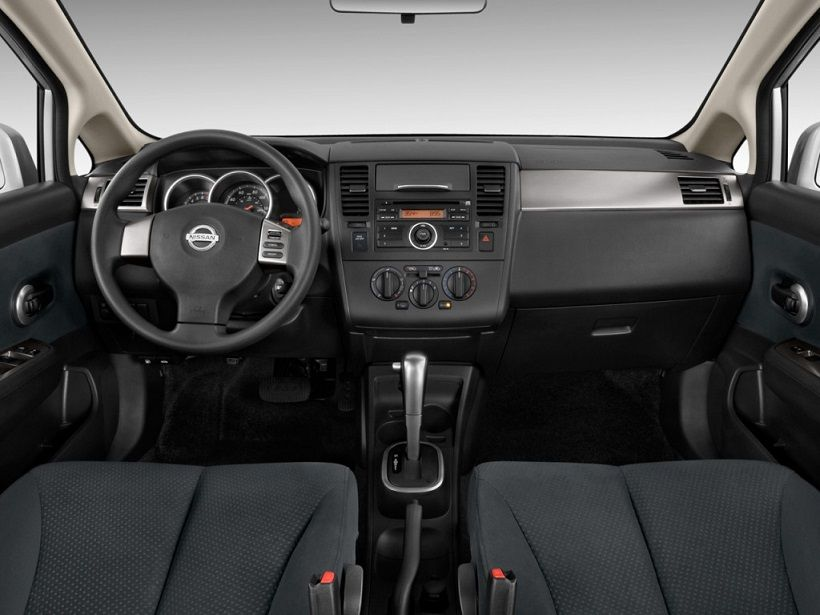 Nissan Tiida 2013, United Arab Emirates