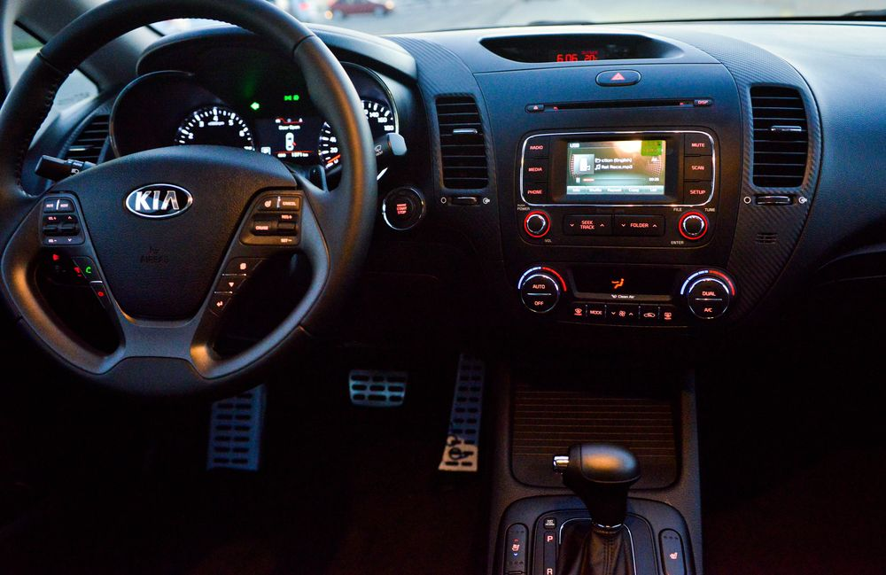Kia Cerato 2013, United Arab Emirates