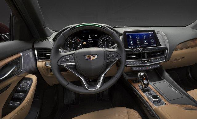 Cadillac CT5 2021, Oman