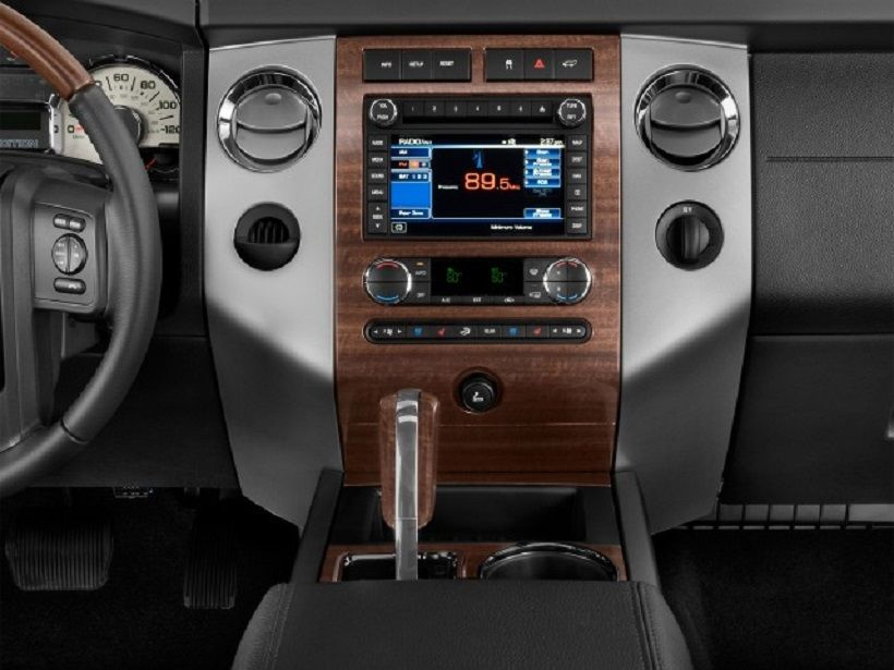 Ford Expedition 2013, Qatar