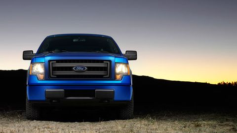 Ford F-150 2013 6.2L Raptor, Kuwait, https://ymimg1.b8cdn.com/resized/car_model/713/pictures/2474/mobile_listing_main_Ford-F-150-Truck-2013-Front_View.jpg