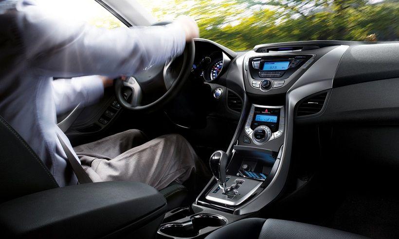 Hyundai Elantra 2013, United Arab Emirates