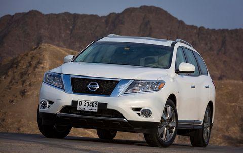 Nissan Pathfinder 2013, Oman