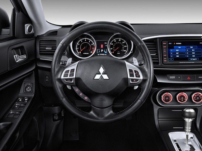 Mitsubishi Lancer EX 2013, Oman