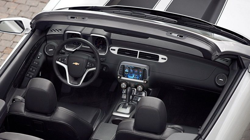Chevrolet Camaro Convertible 2012, Qatar