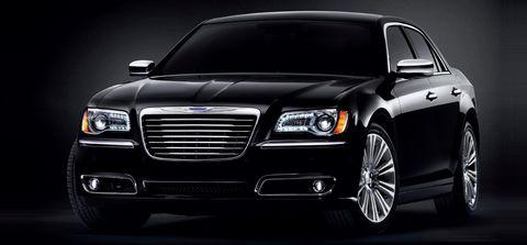 كرايسلر 300 سي 2012 5.7L, kuwait, https://ymimg1.b8cdn.com/resized/car_model/99/pictures/772/mobile_listing_main_Chrysler-300C-2011-Front_View.jpg