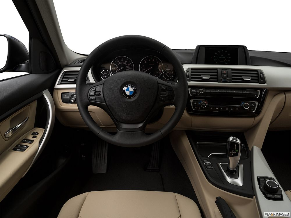 BMW 3 Series 2018, Saudi Arabia