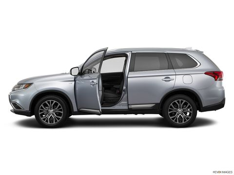 Mitsubishi Outlander 2018 3.0L GLS (7-Seater), Qatar, https://ymimg1.b8cdn.com/resized/car_version/10448/pictures/3562401/mobile_listing_main_11300_st1280_037.jpg