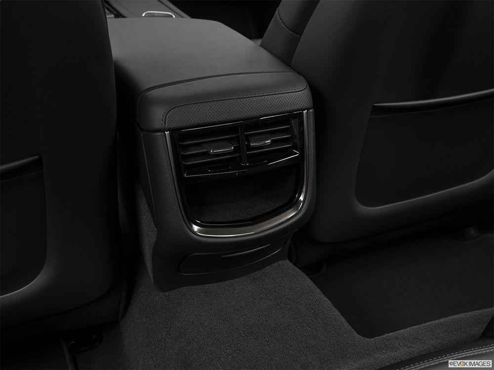 Cadillac CTS 2018, United Arab Emirates