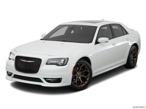 Chrysler 300C 2018 5.7L Plus, Kuwait, https://ymimg1.b8cdn.com/resized/car_version/10730/pictures/3566579/mobile_listing_main_11793_st1280_046.jpg