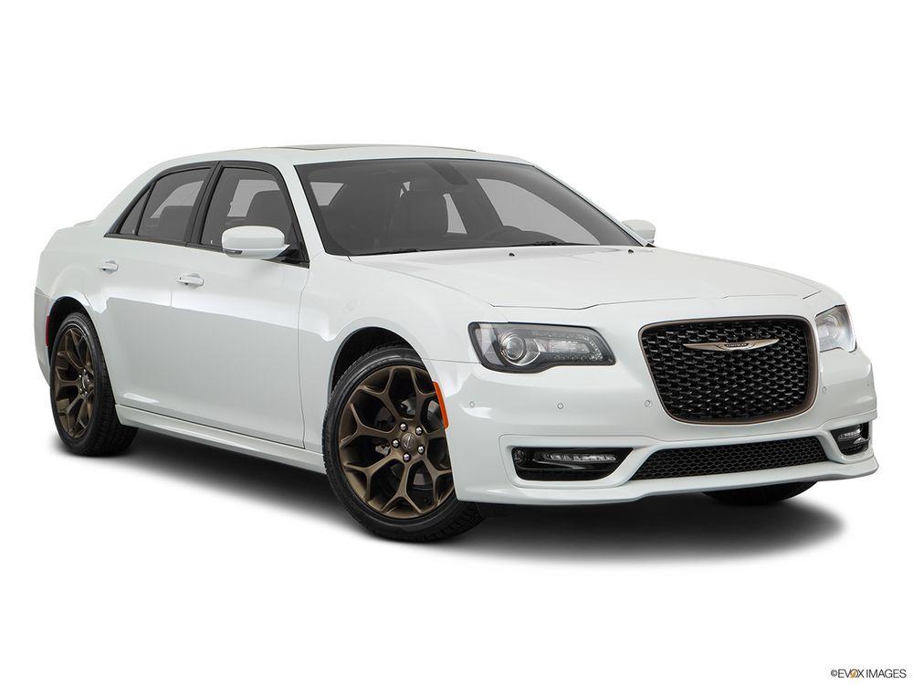 Chrysler 300C 2018, Kuwait