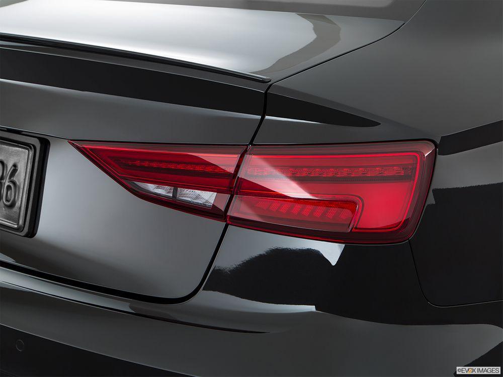 Audi S3 Sedan 2018, Oman