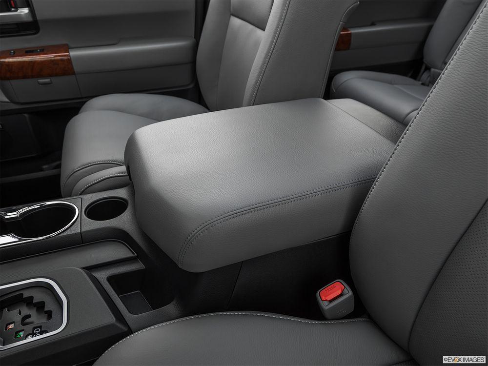Toyota Sequoia 2019, Oman