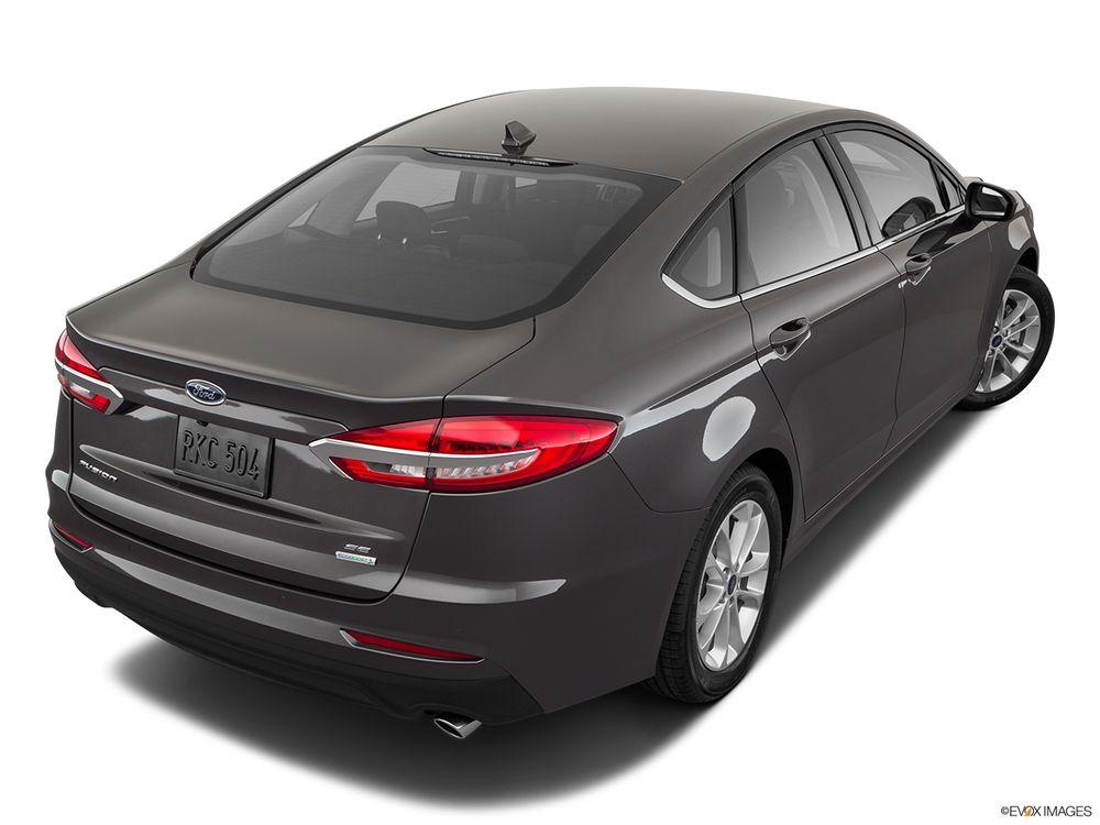 Ford Fusion 2019, Oman