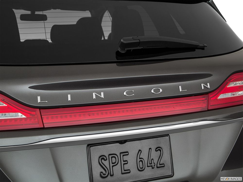 Lincoln MKC 2019, United Arab Emirates