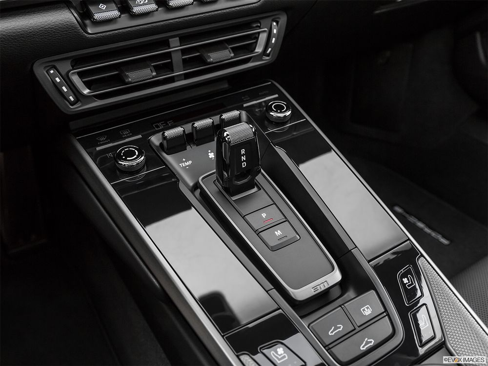 Porsche 911 2020, Saudi Arabia
