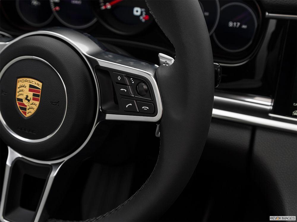 Porsche Panamera 2019, Saudi Arabia