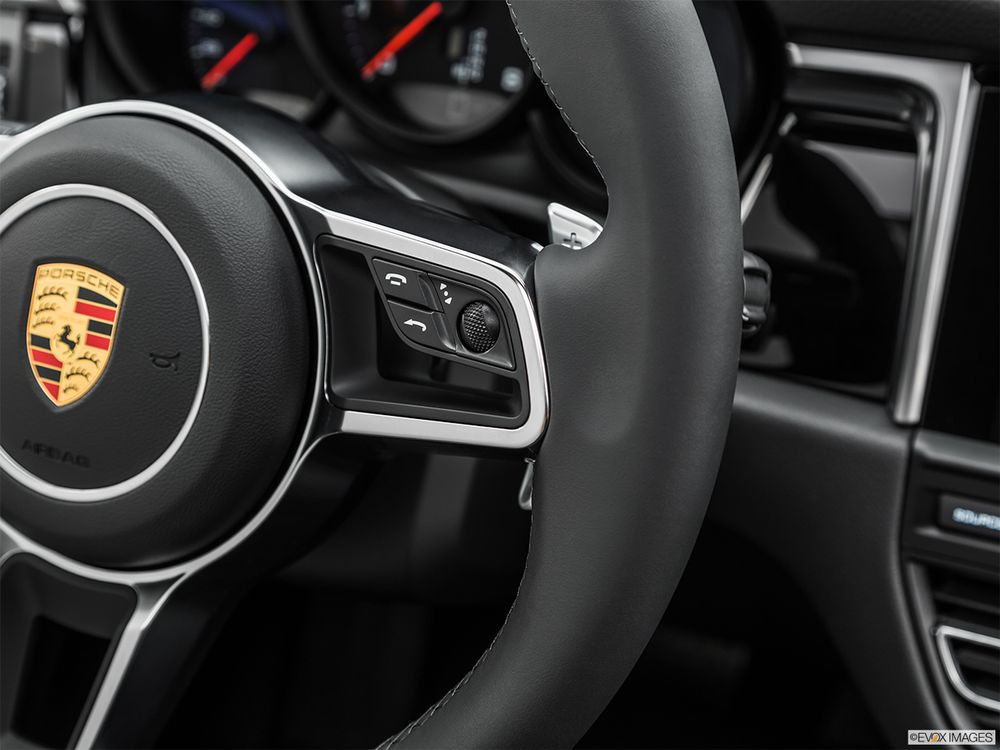 Porsche Macan 2020, Egypt
