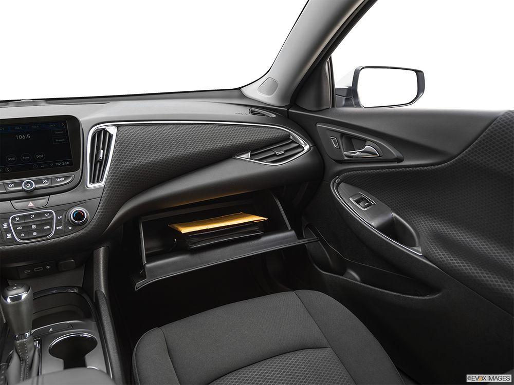Chevrolet Malibu 2020, Oman
