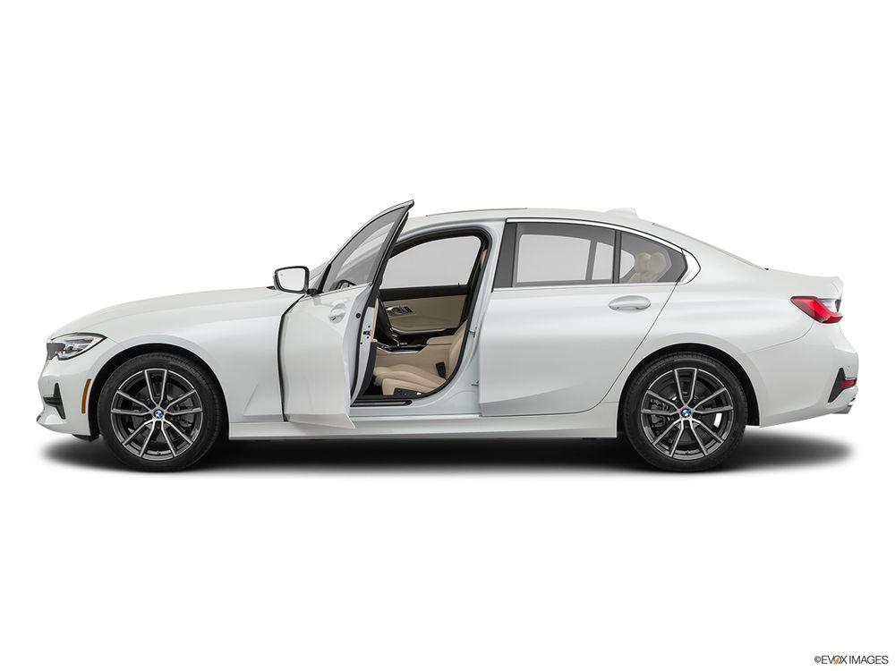 BMW 3 Series 2020, Saudi Arabia