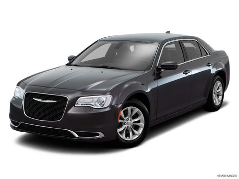Chrysler 300C 2016 5.7L Executive, Kuwait, https://ymimg1.b8cdn.com/resized/car_version/5935/pictures/3042945/mobile_listing_main_10911_st1280_046.jpg